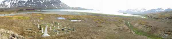 Husvik cemetery near the abandoned whaling station